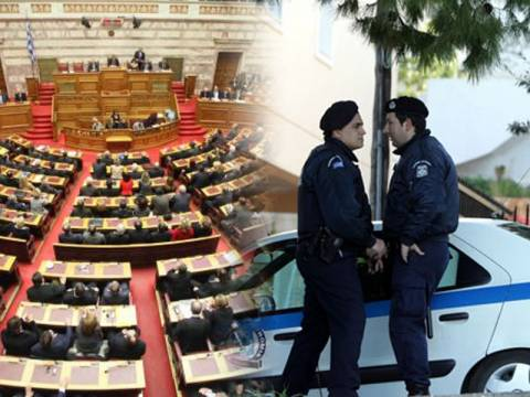 Τα 2/3 των βουλευτών ζήτησαν να συνεχίσουν να έχουν φρουρούς