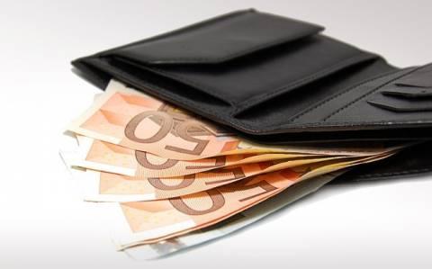 Ποιοι πληρώνουν το νέο «κεφαλικό» φόρο