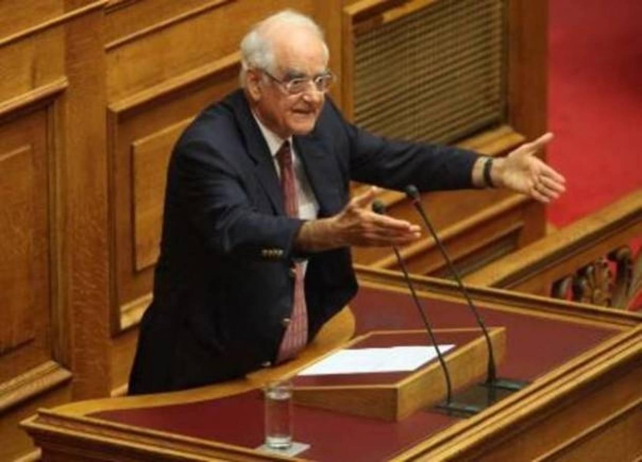 Την ανακοίνωση των βουλευτών που εμπλέκει ο ΣΔΟΕ ζήτησε ο Κακλαμάνης