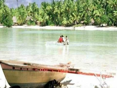 Ψαράς επέζησε για 4 μήνες στον ωκεανό και σώθηκε από... καρχαρία!