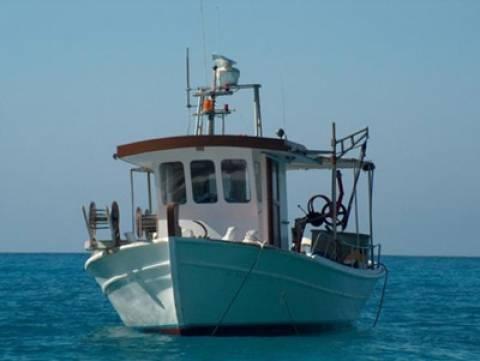 Μηχανική βλάβη για αλιευτικό σκάφος στη Νέα Μηχανιώνα