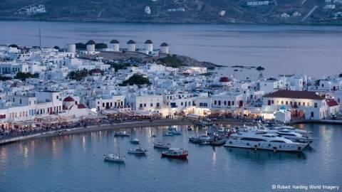 ΙΟΒΕ: Στα 34,4 δισ. η επίδραση του τουρισμού στην οικονομία