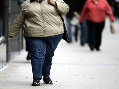 Γκρέμισαν το σπίτι για να σώσουν τον υπέρβαρο άνδρα