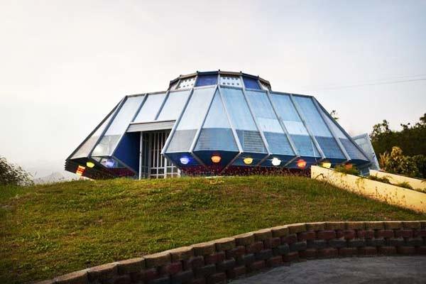 Το σπίτι - ufo! (pics)
