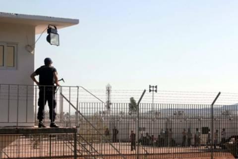Υπερψηφίστηκε το νομοσχέδιο για τα κέντρα κράτησης λαθρομεταναστών