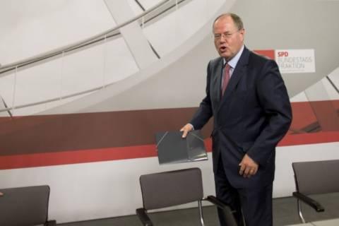 Bild: Υποψήφιος του SPD για την καγκελαρία ο Πέερ Στάινμπρουκ