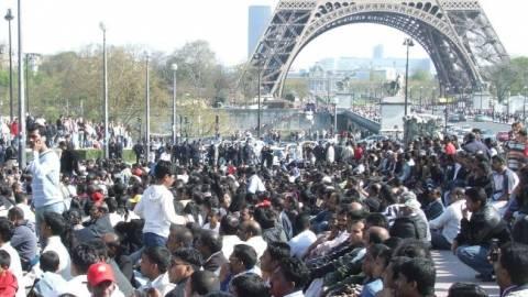 Το Παρίσι λέει όχι στο «σύμφωνο λιτότητας»