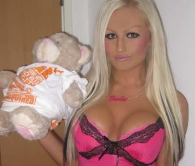 Κούκλες που μας θυμίζουν Barbie! (pics)