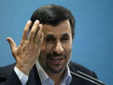 Ιράν: Υπερβολικά... φιλοαμερικανός κρίνεται ο Αχμαντινετζάντ!
