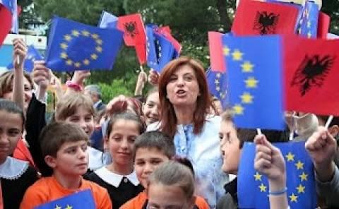 Καταγγελίες για τις αποσπάσεις εκπαιδευτικών σε σχολεία της Αλβανίας