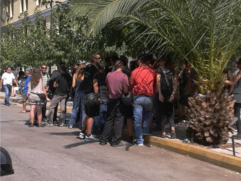 Στα δικαστήρια οι συλληφθέντες των επεισοδίων στην Ευελπίδων
