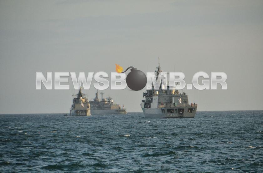Στον Φαληρικό όρμο τα πλοία του ελληνικού στόλου (pics)