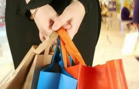 Ανοιχτά τα καταστήματα και την Κυριακή