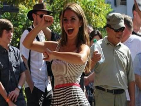 Βίντεο: Και η Μαρία Μενούνος χορεύει το Gangnam Style!