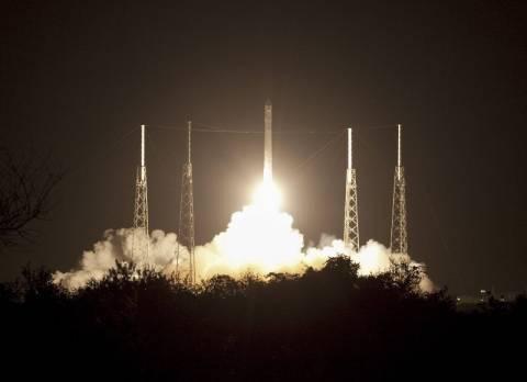 Βίντεο: Η διαστημική κάψουλα Dragon στο πρώτο της ταξίδι
