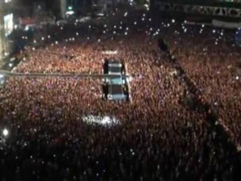 Βίντεο: 80.000 άνθρωποι χορεύουν σε συναυλία το Gangnam Style!