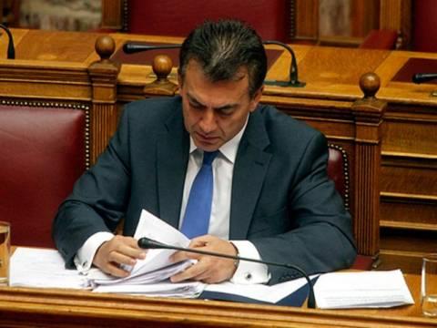 Βρούτσης: Απέσυρε την τροπολογία για κατάργηση εργοδοτικών εισφορών