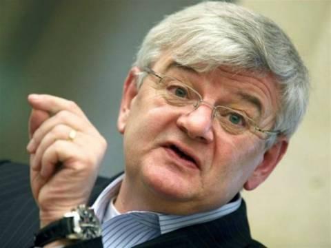 Φίσερ: Εάν είχαμε ακολουθήσει την Bundesbank η ευρωζώνη δεν θα υπήρχε