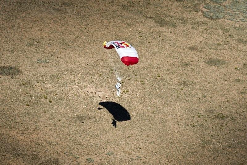 Φέλιξ Μπομγκάρτνερ: Υπερηχητική βουτιά από ύψος 39 χλμ.