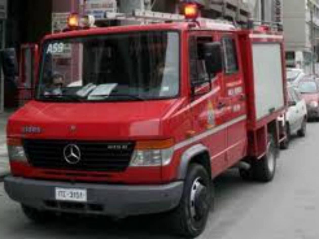 ΤΩΡΑ: Φωτιά σε υπόγειο πάρκινγκ στην Πατησίων