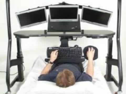 Αϋπνία προκαλούν ο υπολογιστής και η τηλεόραση τις νυχτερινές ώρες