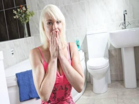 20χρονη έχει φοβία στις... τουαλέτες!