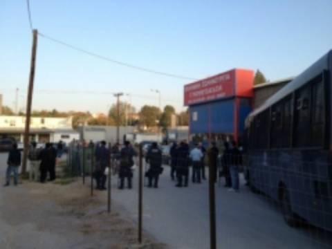 Θεσσαλονίκη: Ένταση και δακρυγόνα στην Ευκαρπία (vid)