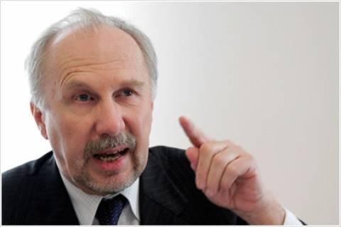 Επιφυλακτικότητα συστήνει ο Νοβότνι για την τραπεζική εποπτεία