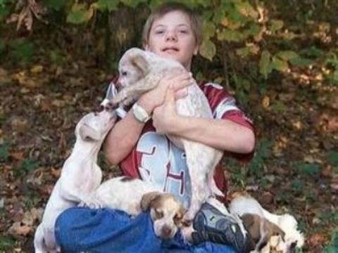 Απίστευτο: Κουταβάκια έσωσαν 10χρονο αγοράκι με σύνδρομο Down