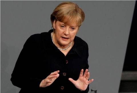 Μέρκελ: Πρώτα το νομικό πλαίσιο και μετά ανακεφαλαιοποίηση