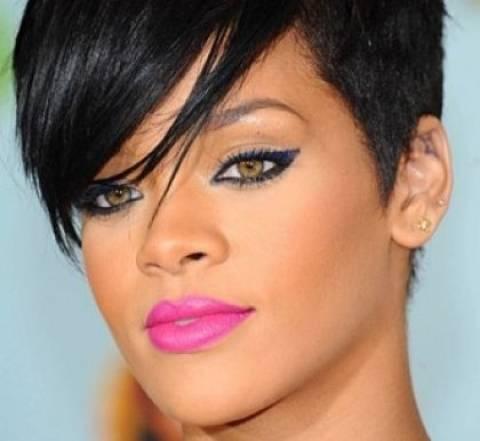 Πως η Rihanna θα «βγάλει » 8 εκατομμύρια δολάρια