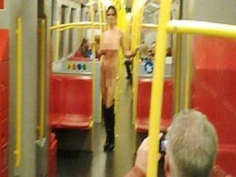 Η θεά «Αφροδίτη» στο μετρό της Βιέννης!