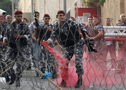 Οδοφράγματα και ανταλλαγή πυρών στη Βηρυτό