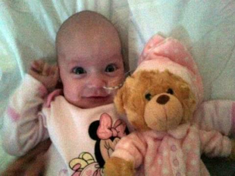 Συγκλονιστικό: Το μωρό που νίκησε 7 φορές τον καρκίνο μέσα σε 8 μήνες