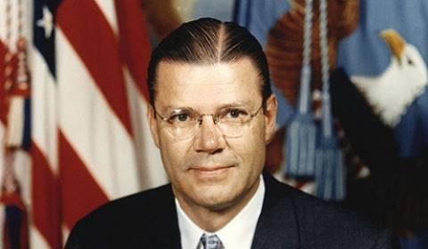 Το αρχείο του πρώην υπουργού Άμυνας των ΗΠΑ πωλήθηκε 1 εκατ. δολ.