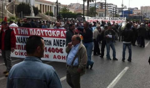 Πορεία Οικοδόμων στο κέντρο της Αθήνας