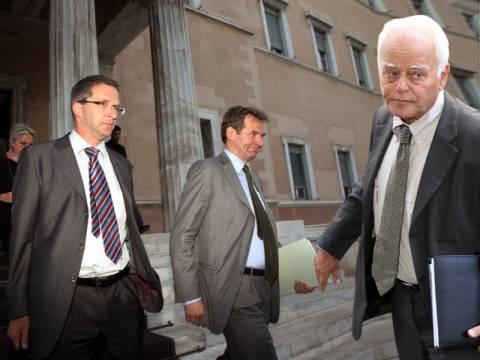 Τι αντιτάσσει ο Μανιτάκης στην Τρόικα για να αποφευχθούν οι απολύσεις