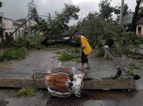 Έντεκα νεκροί στην Κούβα από το πέρασμα του τυφώνα Σάντι