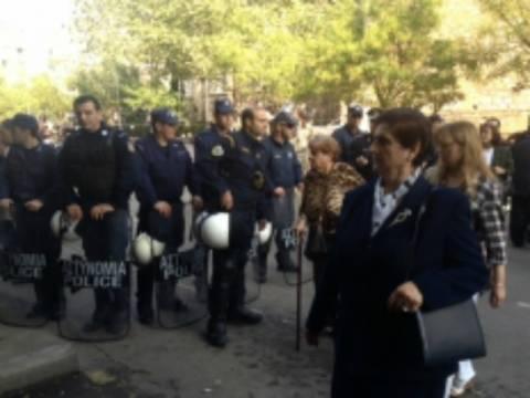 Βίντεο: Αποδοκίμασαν Παπούλια - Σαμαρά στην Θεσσαλονίκη