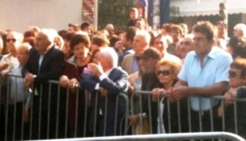 Ηλικιωμένοι εμποδίστηκαν να εισέλθουν στον Ι.Ν. Αγίου Δημητρίου