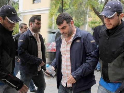 ΚΚΕ: Απαράδεκτη και προκλητική η ποινική δίωξη του Βαξεβάνη