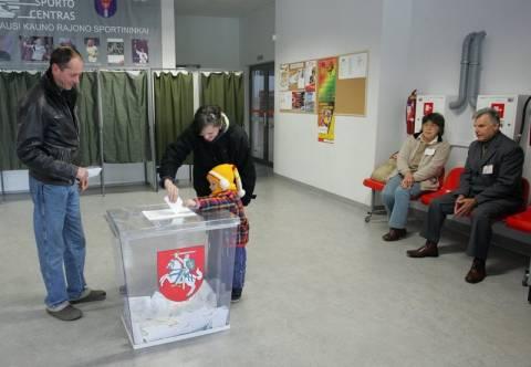 Η αριστερή αντιπολίτευση νικήτρια των εκλογών στη Λιθουανία