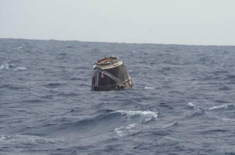 Επιτυχής προσθαλάσσωση για το διαστημικό όχημα Dragon