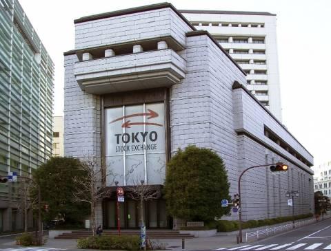Άνοιγμα με μικρή άνοδο στο Τόκιο
