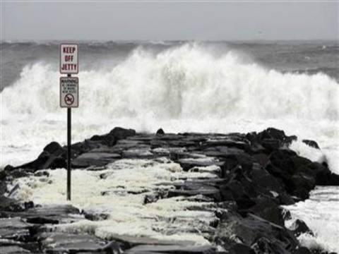 Τυφώνας Σάντι: Αναμένεται να φθάσει στην ξηρά σήμερα το βράδυ
