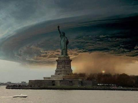 Ο τυφώνας Σάντυ στην ερημωμένη Νέα Υόρκη