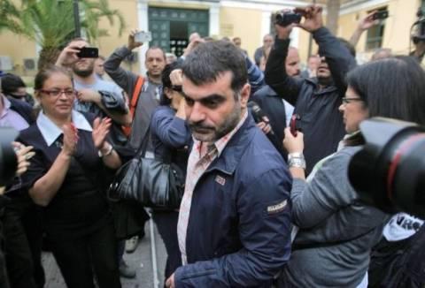 «Έκπληκτος» ο ΔΣΑ για τη σύλληψη του Κώστα Βαξεβάνη