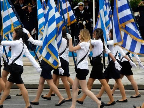 Μαθητές:Θα φέρουμε τη Χρυσή Αυγή αν γίνει η Αλβανίδα σημαιοφόρος
