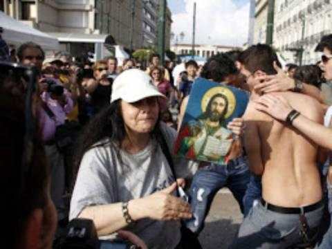 Ακούστε: Η Ελένη Λουκά τηλεφωνεί στην «Ελληνοφρένεια»
