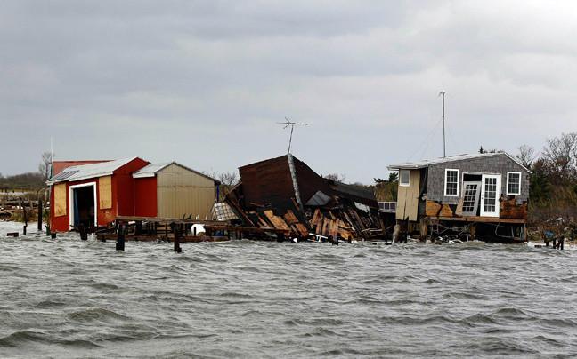 Συγκλονιστικές εικόνες: Δείτε τι άφησε πίσω του ο τυφώνας Σάντι